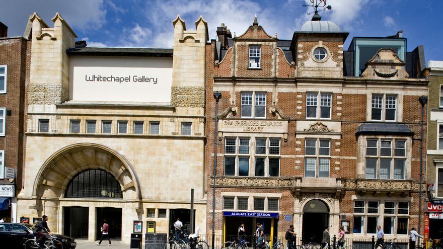En las inmediaciones de la Whitechapel Art Gallery se prujo el primer crimen de Jack el Destripador.