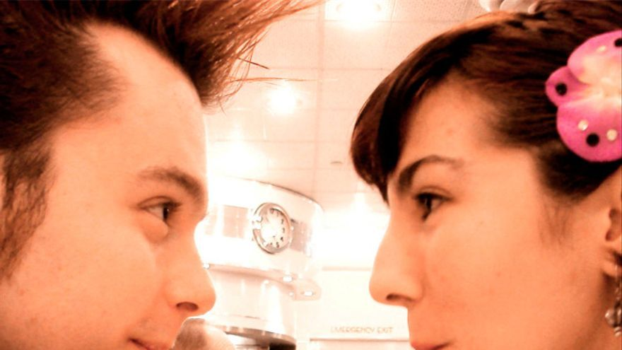 Chico busca chica, 'app' busca chico y chica (Foto: videocrab en Flickr)