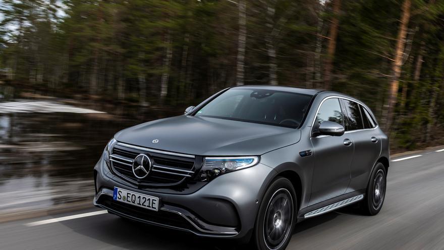 El Mercedes EQC tiene 4,76 metros de longitud y 2,5 toneladas de peso.