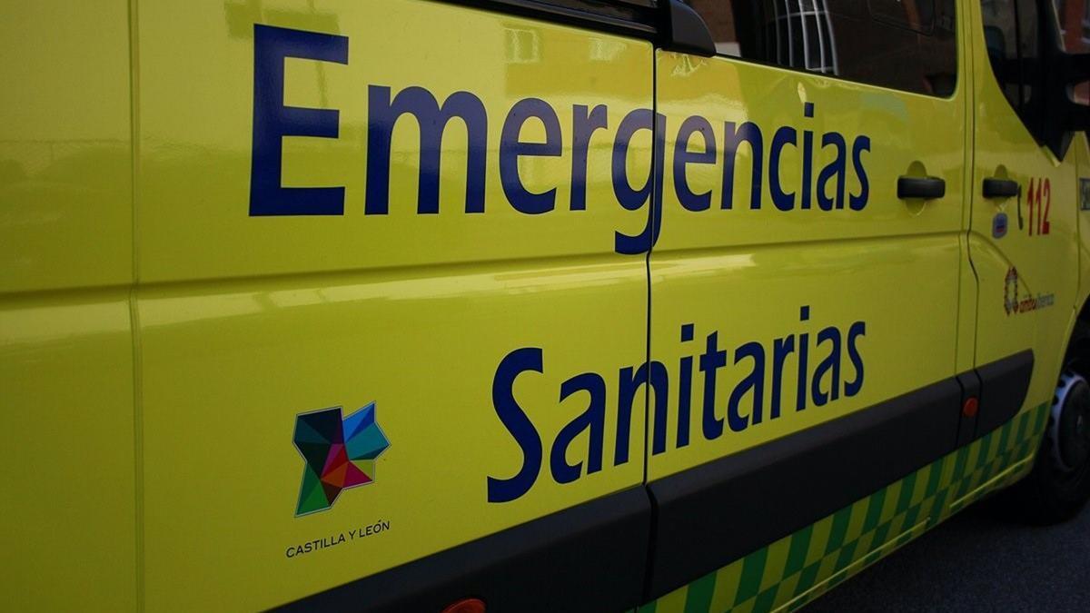 Archivo - Ambulancia de Emergencias Sanitarias, Sacyl. - JCYL - Archivo