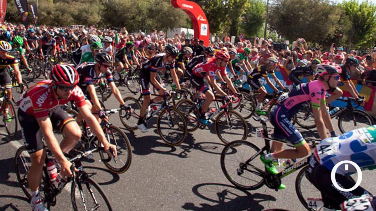 Salida de etapa en Córdoba en la Vuelta 2015