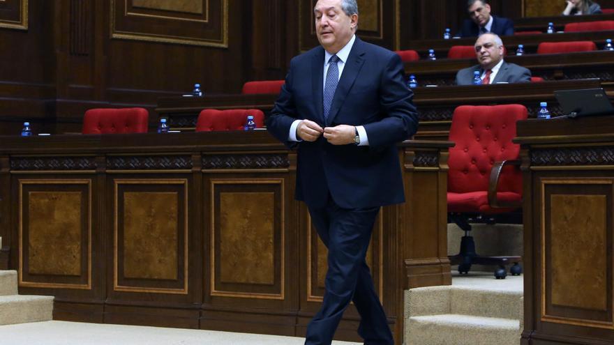 Hospitalizado el presidente de Armenia con neumonía doble por Covid-19