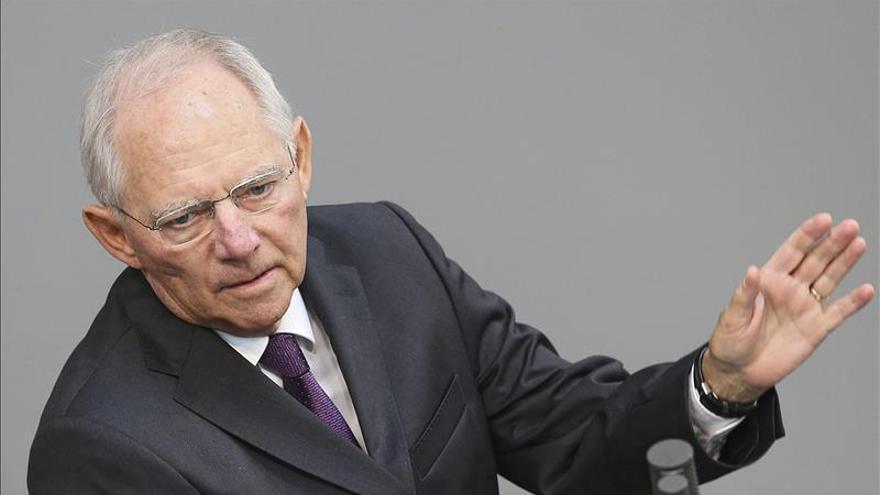 """Schäuble promete esforzarse al máximo en un """"último intento"""" para salvar a Grecia"""