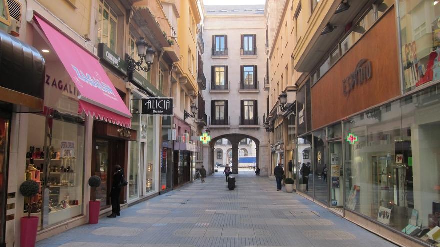 Las ventas del comercio minorista en Cantabria bajan un -0,4% y el empleo sube un 1,8% en octubre