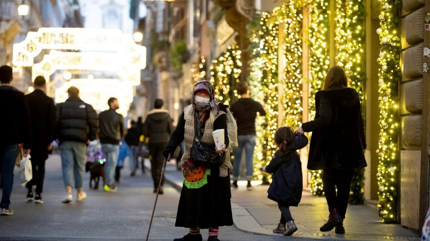 Italia empieza la semana del cierre navideño con limitaciones entre regiones