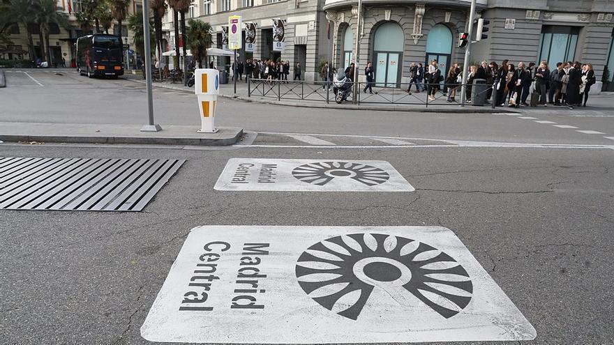 Señalización de la zona de bajas emisiones Madrid Central.