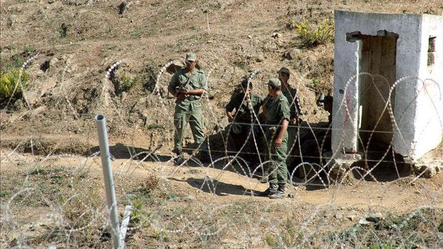 La Gendarmería marroquí impide un asalto masivo a la frontera de Ceuta