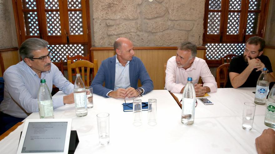 Román Rodríguez, Jorge Estalella, Ángel Víctor Torres y Juan Márquez en la reunión mantenida en El Herreño, restaurante de la capital grancanaria.