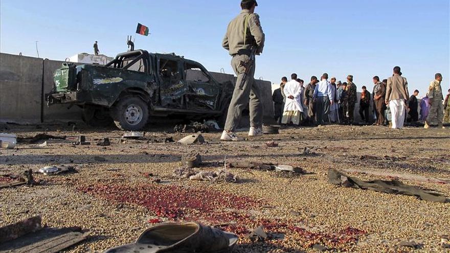 Al menos cuatro muertos y cinco heridos en un atentado suicida en Afganistán