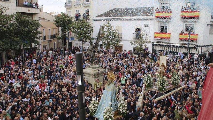 La Virgen y su hijo se encuentran a la carrera en Villanueva de la Serena