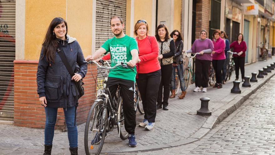 Isabel Porras y uno de sus grupos de aprendizaje en Sevilla