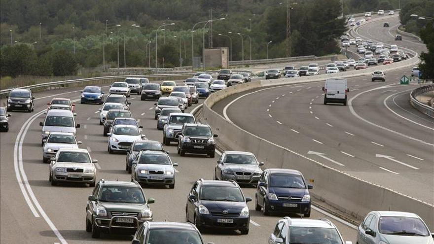Todo preparado para la mayor afluencia de coches del año en las carreteras
