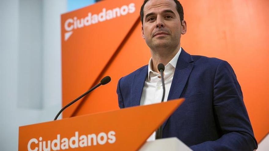 """Ignacio Aguado (Cs): la renuncia de Cifuentes al máster """"no cambia nada"""""""