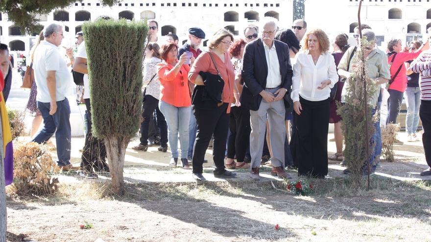 Ayuntamiento inicia la búsqueda y delimitación de la fosa común de Pico Reja en el cementerio