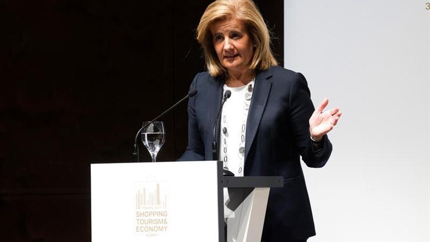 Báñez: de continuar la incertidumbre podría haber riesgo de recesión en Cataluña