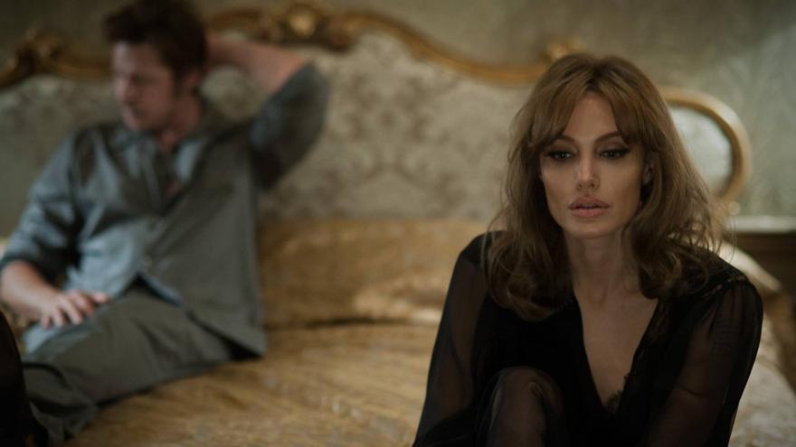 Angelina Jolie y Brad Pitt, en una casita junta al mar