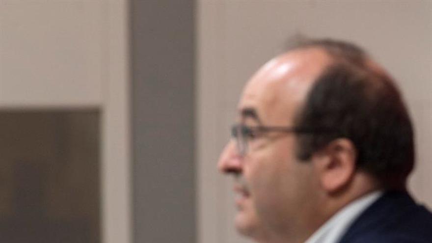 "Iceta pide a sus alcaldes ""rebelarse contra el frentismo"""