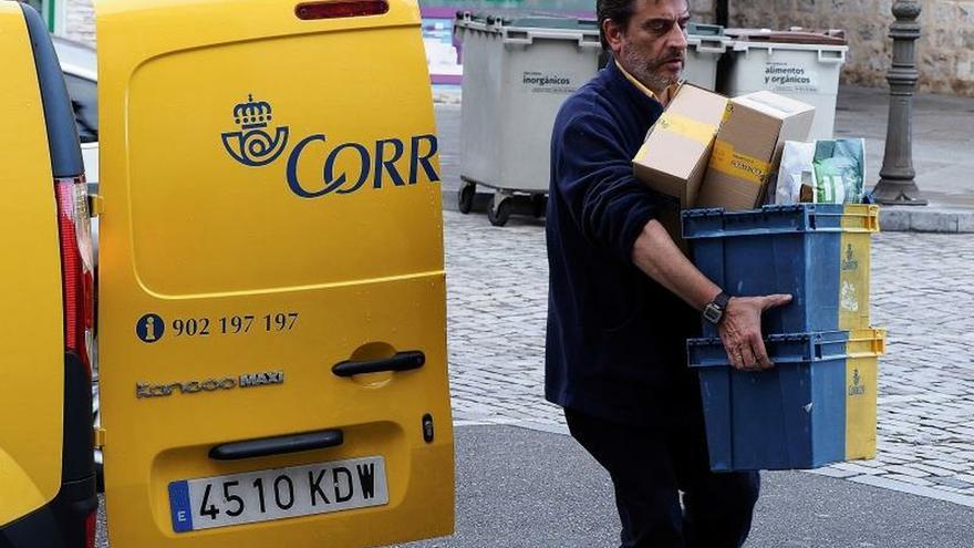Correos firma un acuerdo con Amazon para agilizar sus envíos