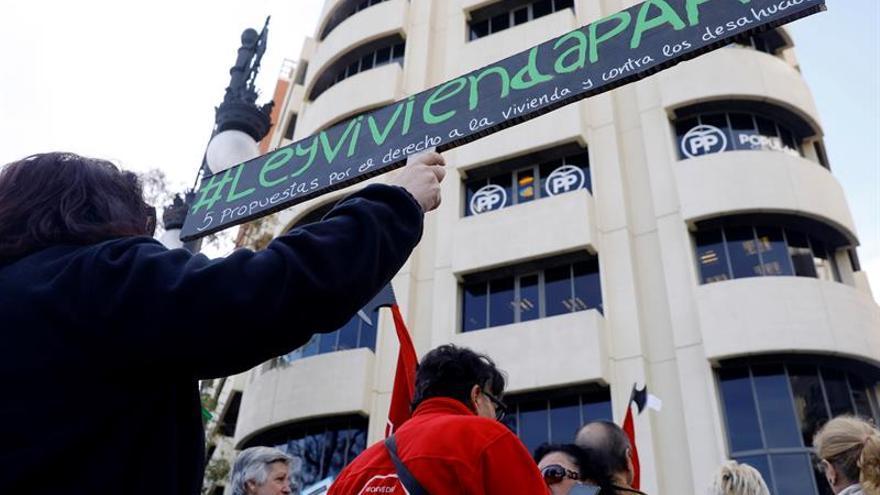 Los afectados por la hipoteca piden a Rajoy que no vete su ley de vivienda