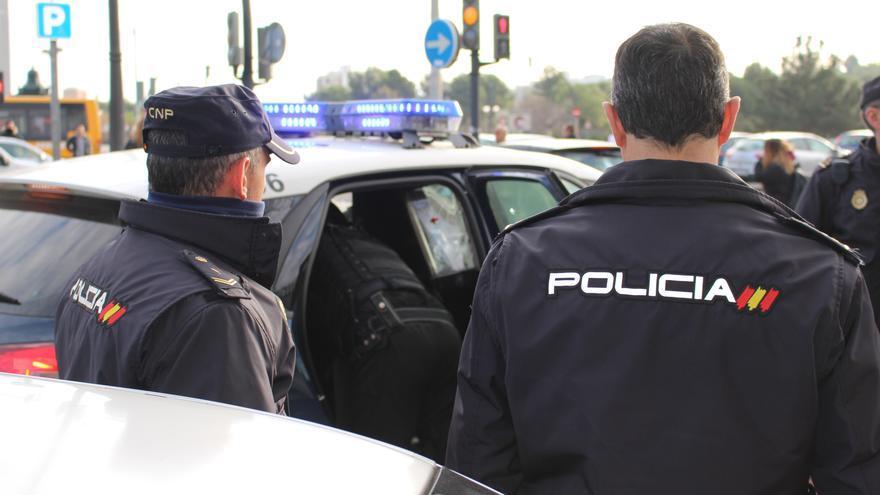 """Nota De Prensa: """"La Policía Nacional Detiene A Un Hombre Por Cobrar El Paro De Un Fallecido E Intentarlo Con La Jubilación"""""""