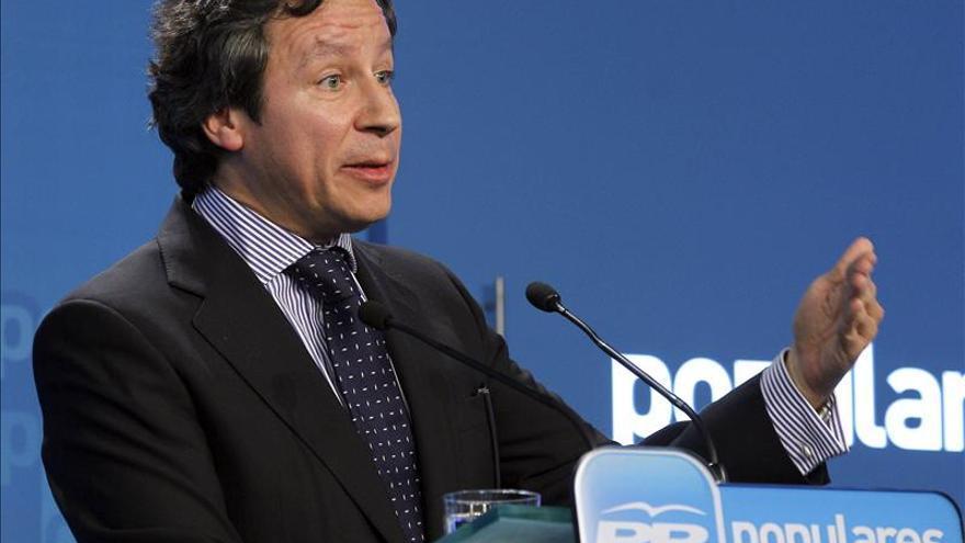 """Floriano pide al PSOE que se someta """"al desnudo"""" como el PP"""