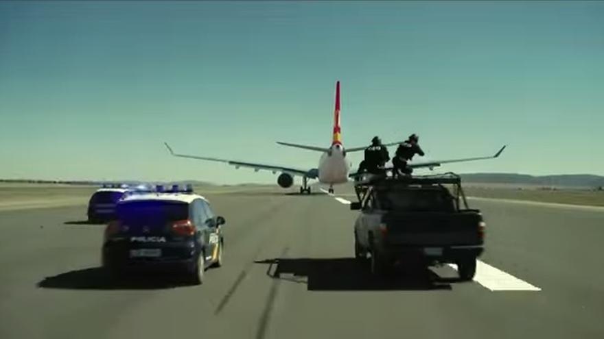 Escena de Torrente 5 rodada con un dron en el aeropuerto de Castellón