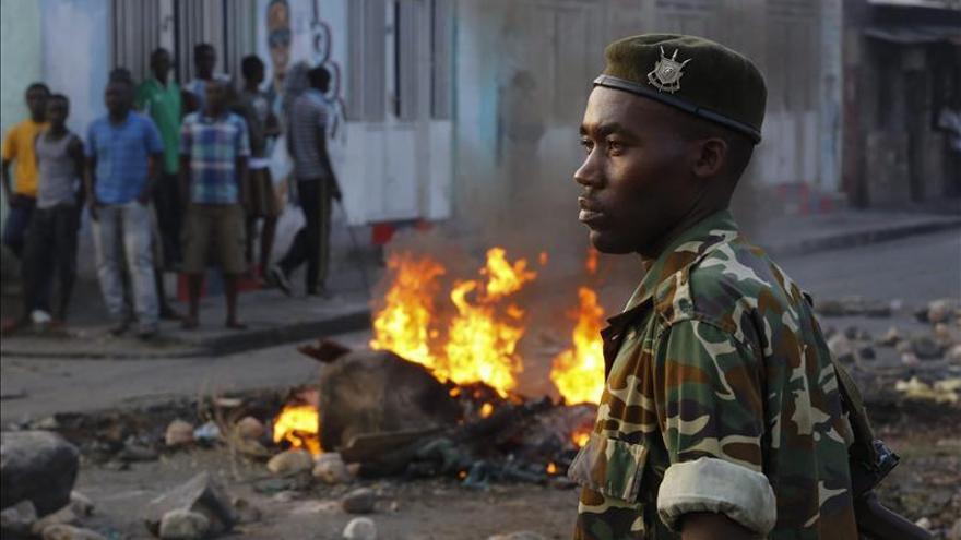Militares opositores anuncian una rebelión para echar al presidente de Burundi