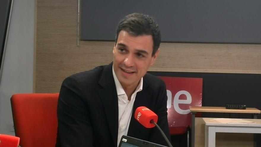 Pedro Sánchez en una entrevista en Las Mañanas de Radio Nacional