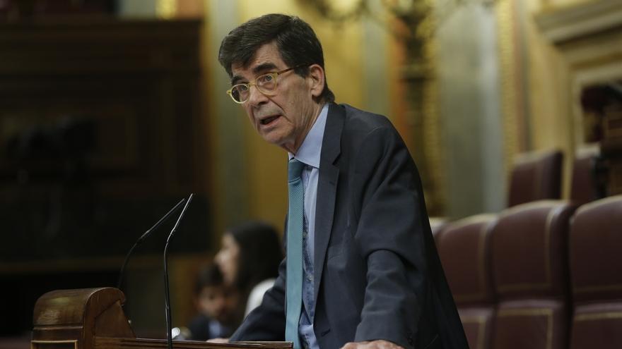 El diputado de PSOE José Enrique Serrano se perfila como presidente de la nueva comisión de reforma territorial