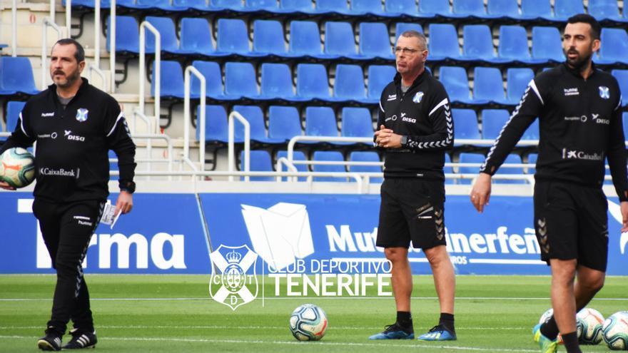 Sesé Rivero, Quique Medina y Ricardo León durante el entrenamiento de este lunes en el Heliodoro.
