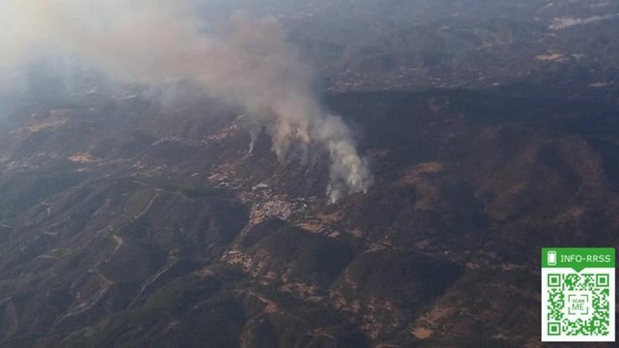 Activado el nivel uno del Plan de Emergencias ante el incendio forestal de Almonaster