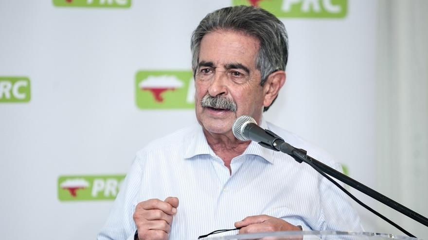 Revilla no ha decidido aún si repetirá como candidato del PRC a la Presidencia de Cantabria