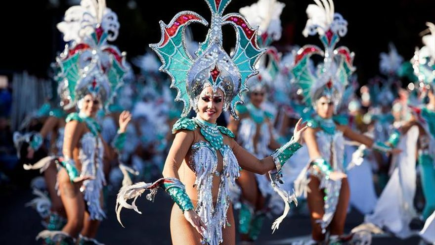 El Coso del Carnaval de Santa Cruz de Tenerife, que recorrió la avenida de Anaga de la capital tinerfeña.