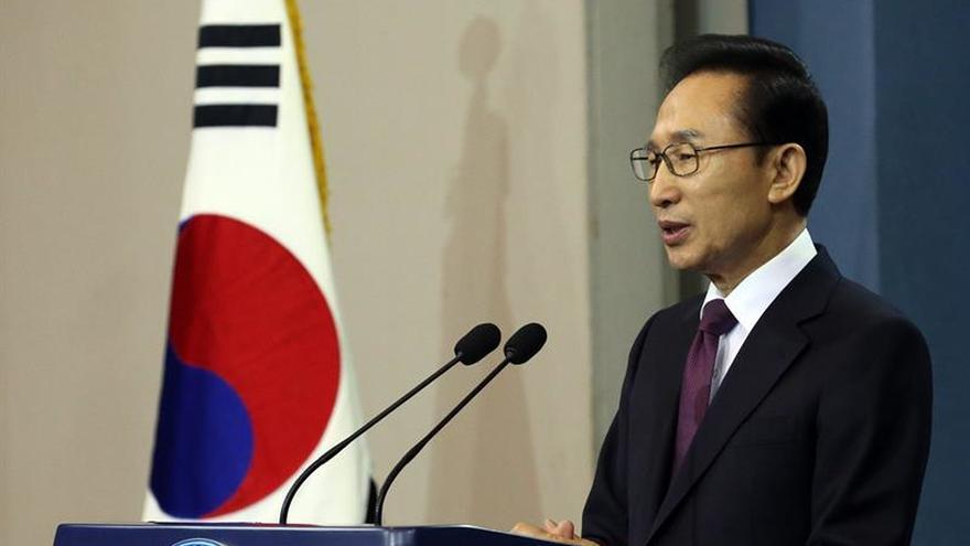 Expresidente surcoreano Lee Myung-bak declara ante fiscales por corrupción