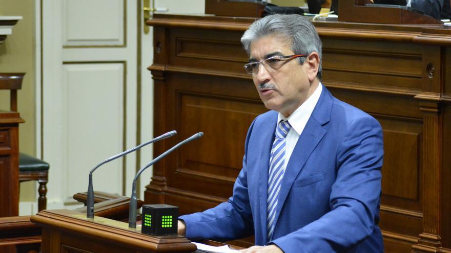 El presidente de Nueva Canarias Román Rodríguez (Flickr Parlamento de Canarias)