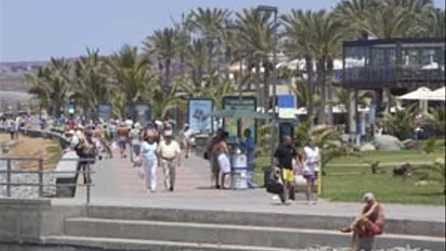 Canarias lidera la llegada de turistas extranjeros