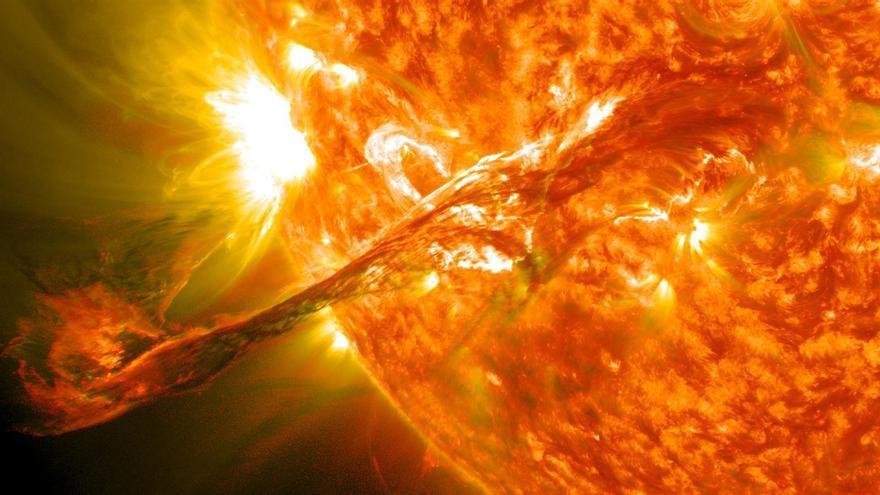 Científicos japoneses crean un modelo físico que predice las grandes erupciones solares con efectos en la Tierra con hasta 20 horas de antelación