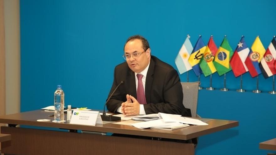 El presidente ejecutivo de CAF, Luis Carranza