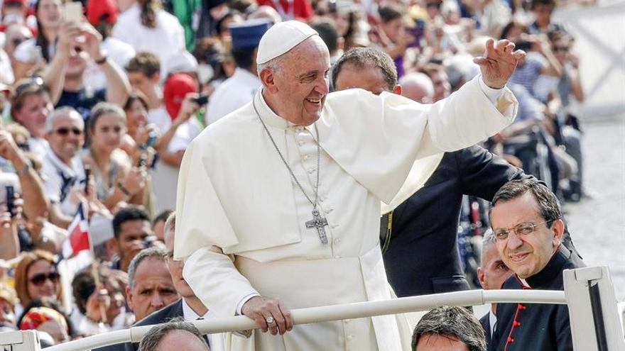 """El Papa condena las """"esclavitudes creadas en nombre de una falsa libertad"""""""