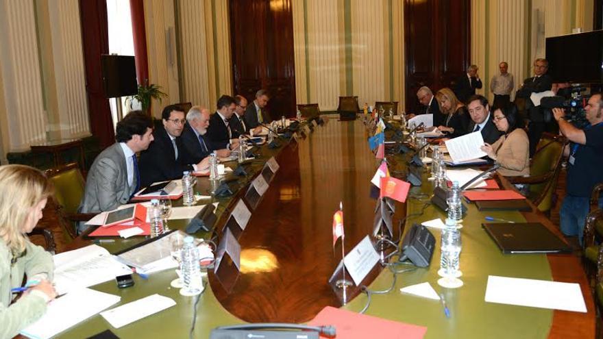 En la reunión del Consejo Consultivo, Arias Cañete no cedió a revisar el reparto de la cuota de caballa.