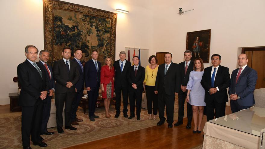 Empresarios de Puy du Fou y autoridades, hoy, en el Palacio de Fuensalida de Toledo