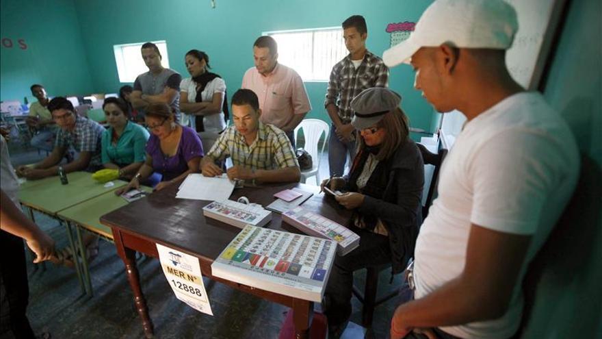 Las elecciones en Honduras transcurren con normalidad y alta participación