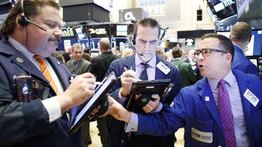 Wall Street regresa al verde aupado por albricias sobre guerra comercial