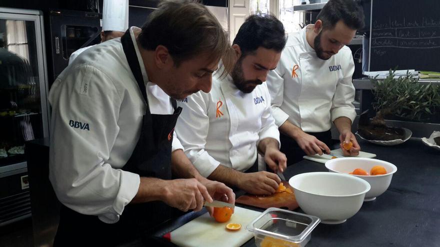 Jordi Roca junto a José Martínez (centro) y Adrián Hernández (a la derecha)