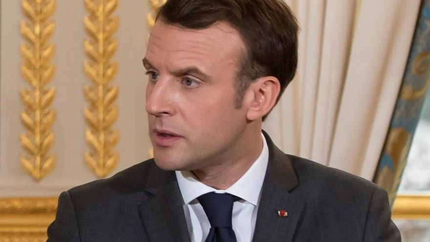 """Macron, """"feliz y satisfecho"""" por el preacuerdo de Gobierno en Alemania"""