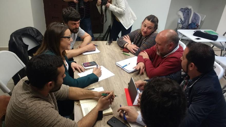 Reunión entre Podemos e Izquierda Unida Castilla-La Mancha