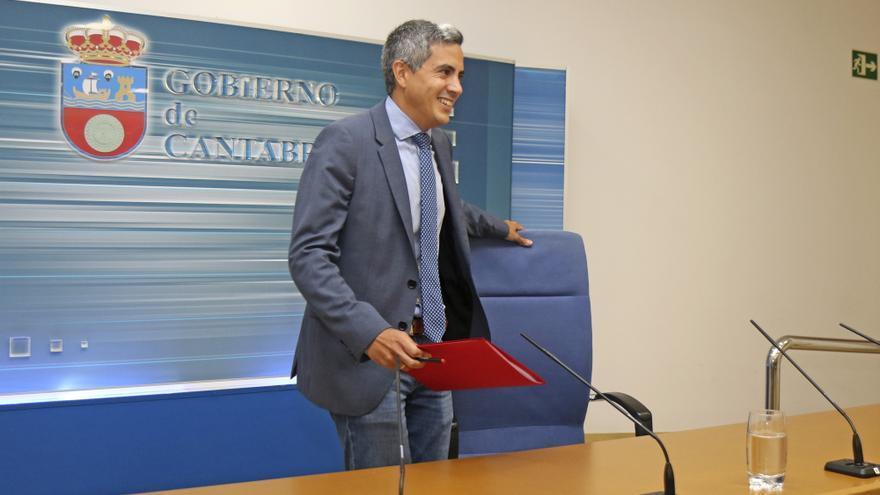 Pablo Zuloaga en rueda de prensa tras la reunión del Consejo de Gobierno. | MIGUEL LÓPEZ