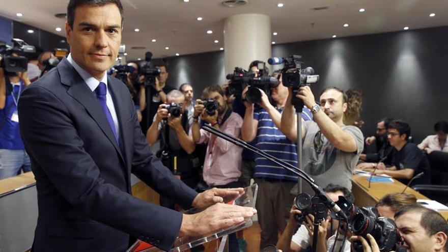 Pedro Sánchez antes de una comparecencia de prensa en el Congreso.