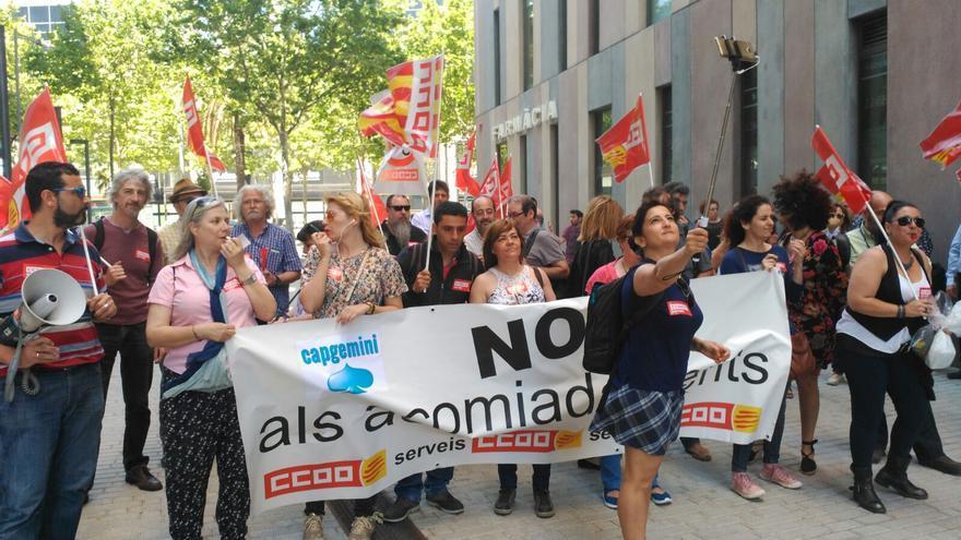Delegados de CapGemini manifestándose contra la última oleada de despidos