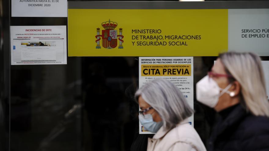 Los parados en Canarias suben en 4.247 personas en febrero hasta alcanzar los 283.477 desempleados